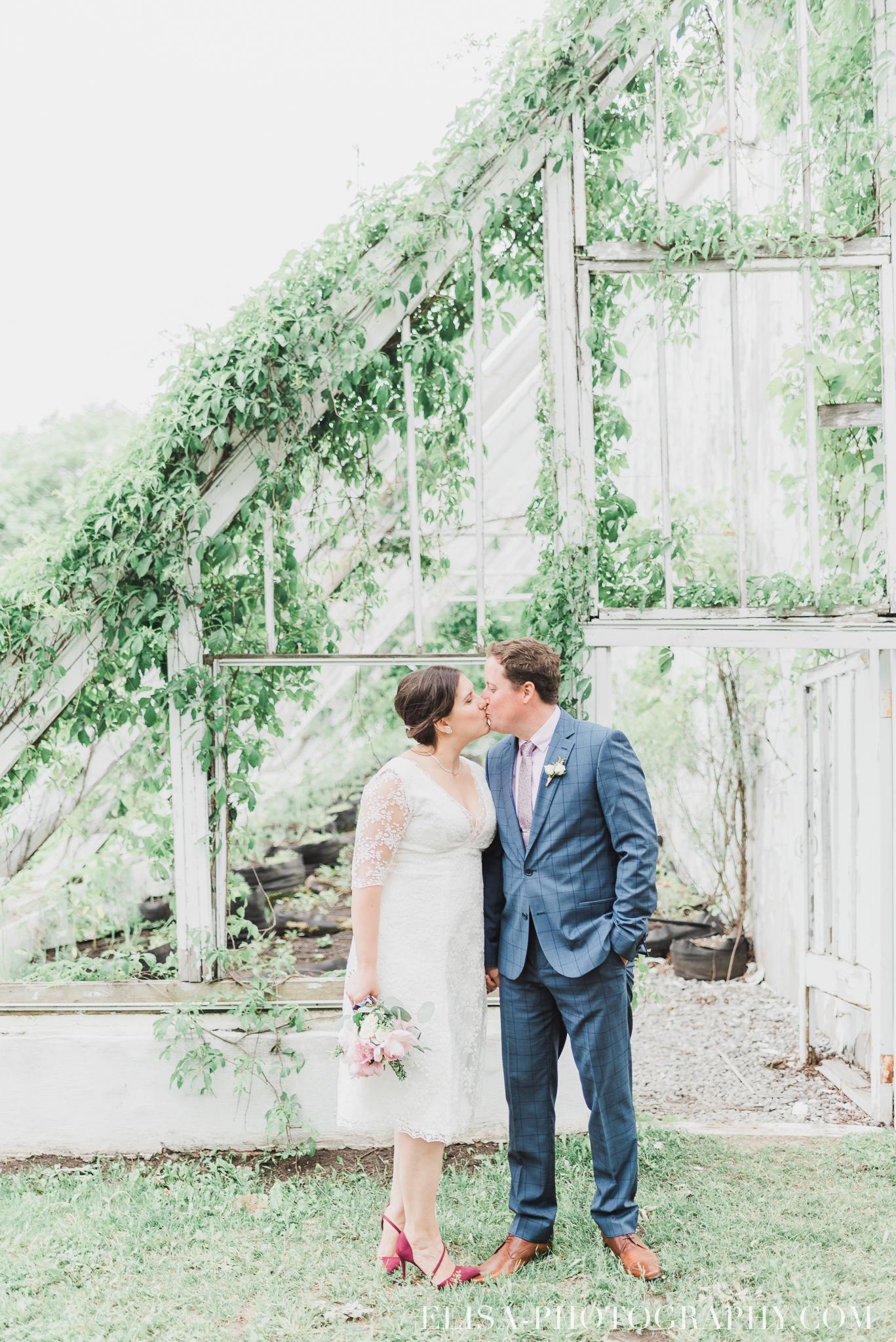 photo mariage domaine cataraqui wedding portrait couple inspiration anglaise jardin ville de quebec 2529 - Mariage d'inspiration anglaise au domaine Cataraqui