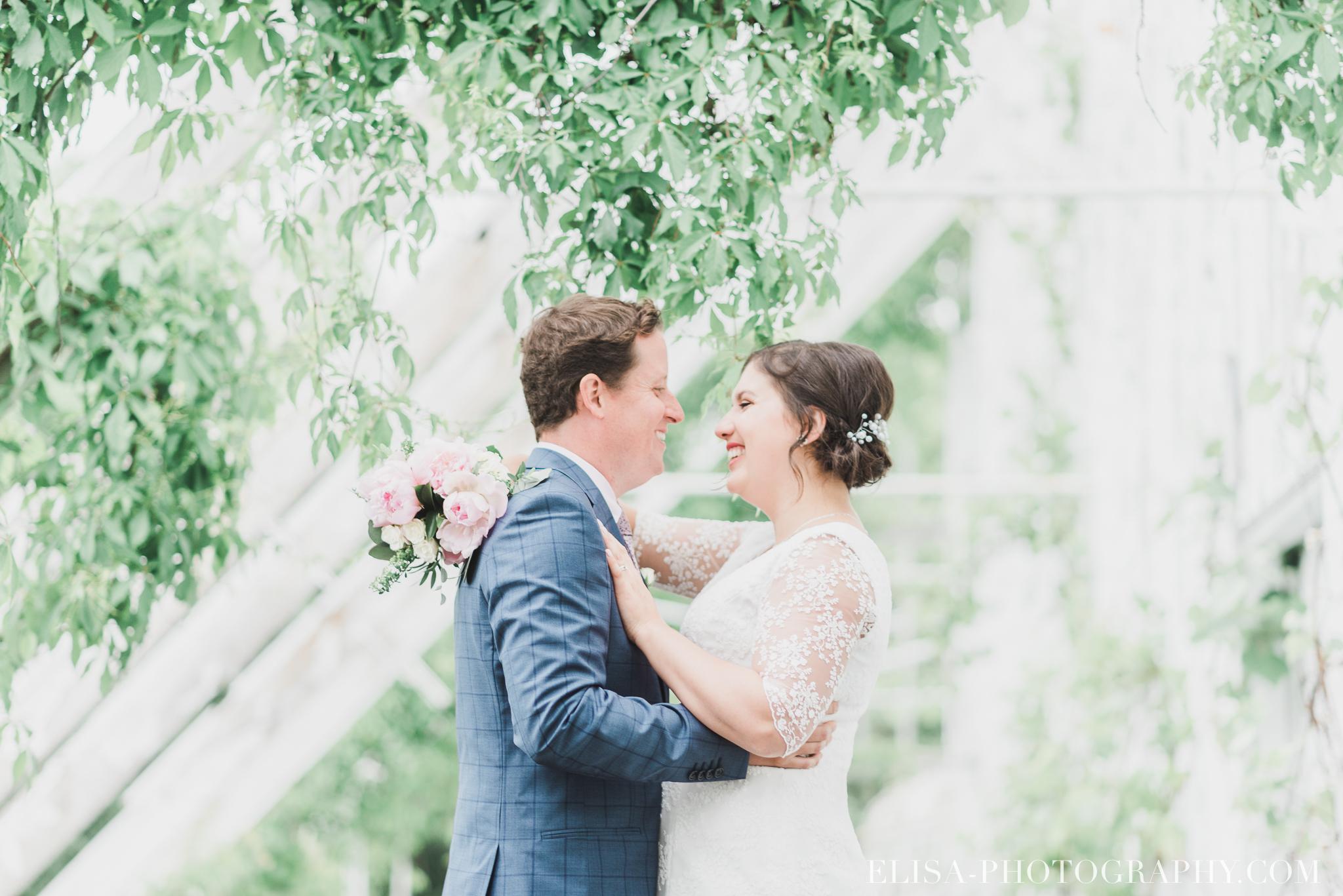 photo mariage domaine cataraqui wedding portrait couple inspiration anglaise jardin ville de quebec 2597 - Mariage d'inspiration anglaise au domaine Cataraqui