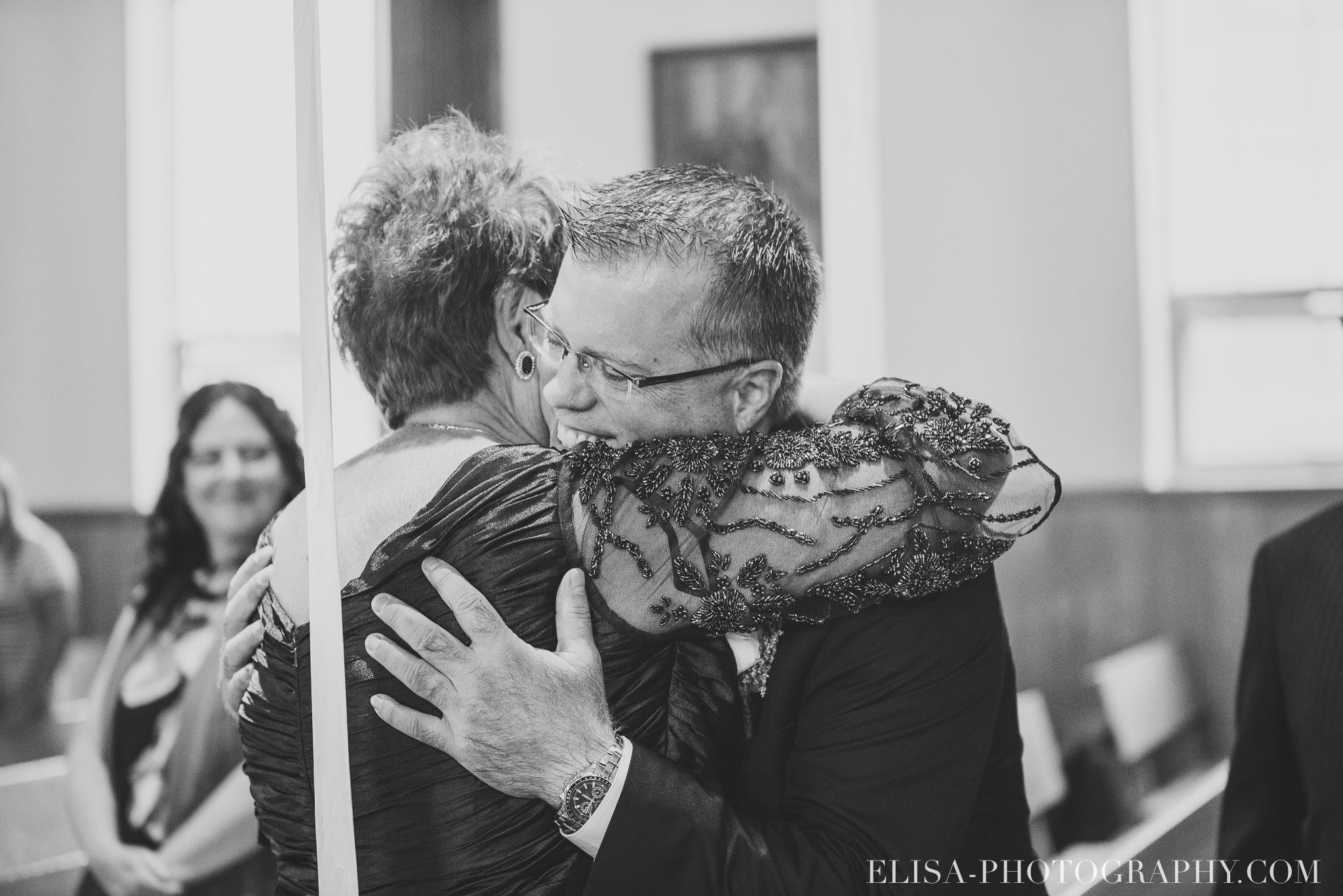 photo mariage ceremonie eglise st emile famille enfants ballons 7635 - Mariage à la plage de la baie de Beauport