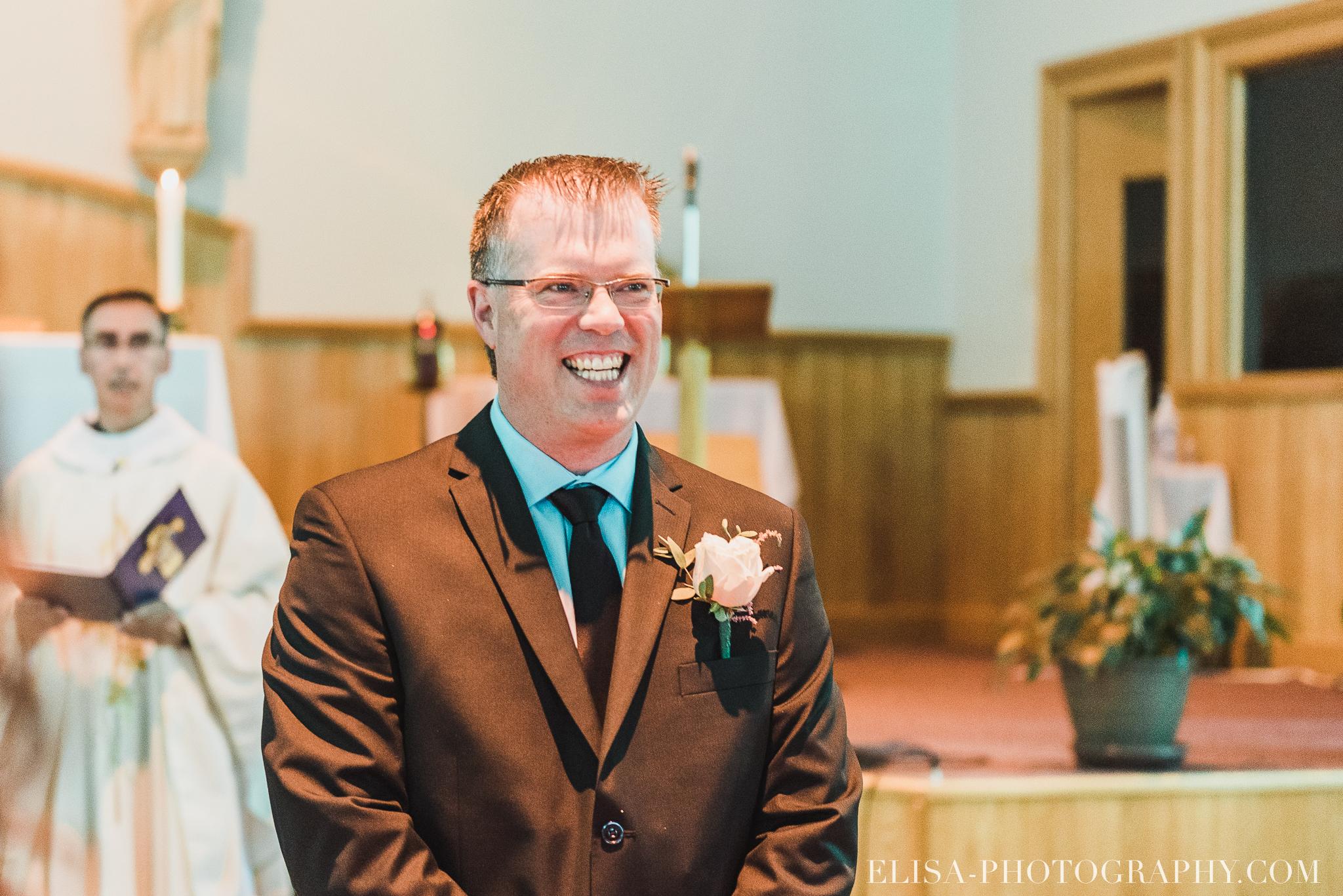 photo mariage ceremonie eglise st emile famille enfants ballons 7659 - Mariage à la plage de la baie de Beauport