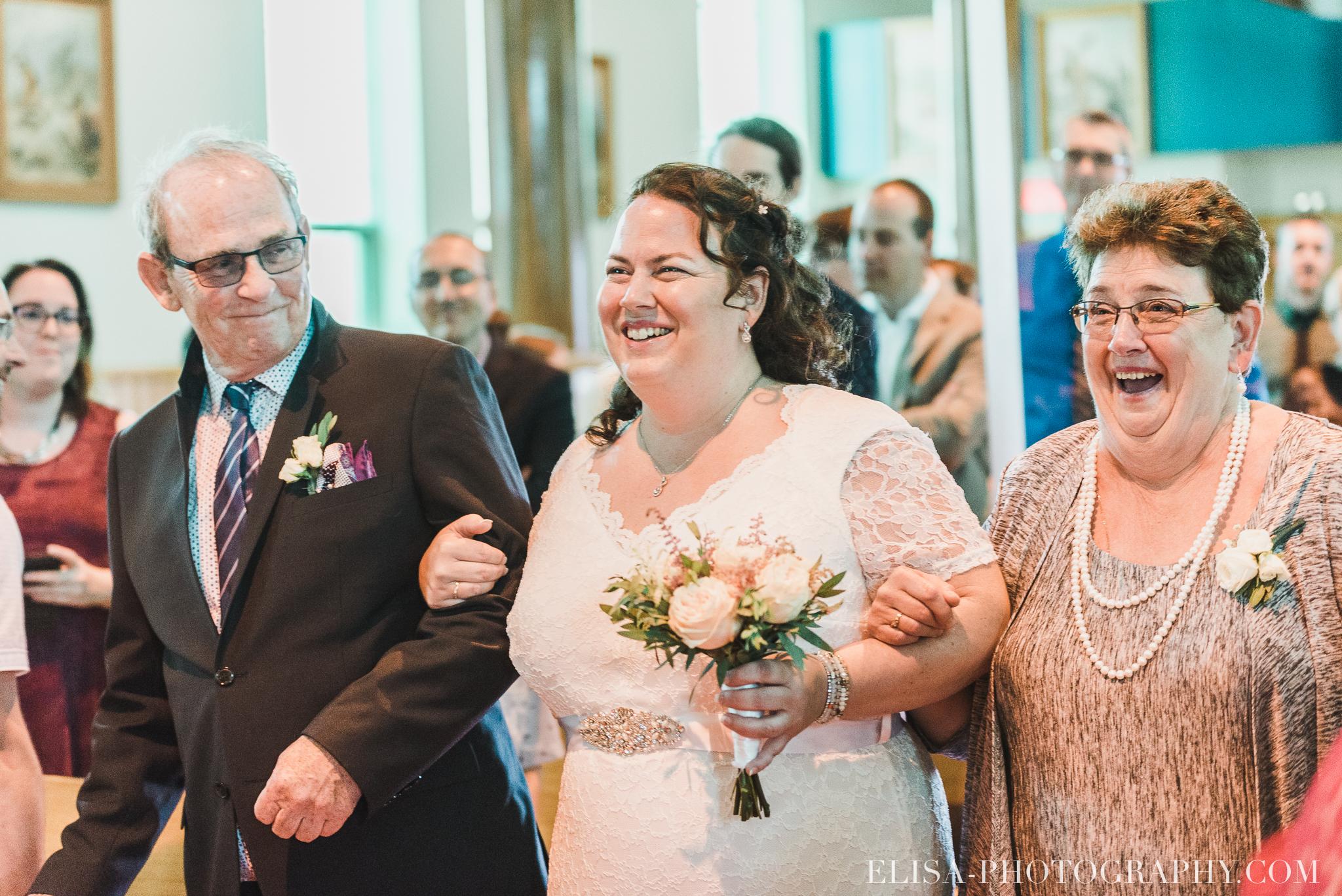 photo mariage ceremonie eglise st emile famille enfants ballons 7663 - Mariage à la plage de la baie de Beauport