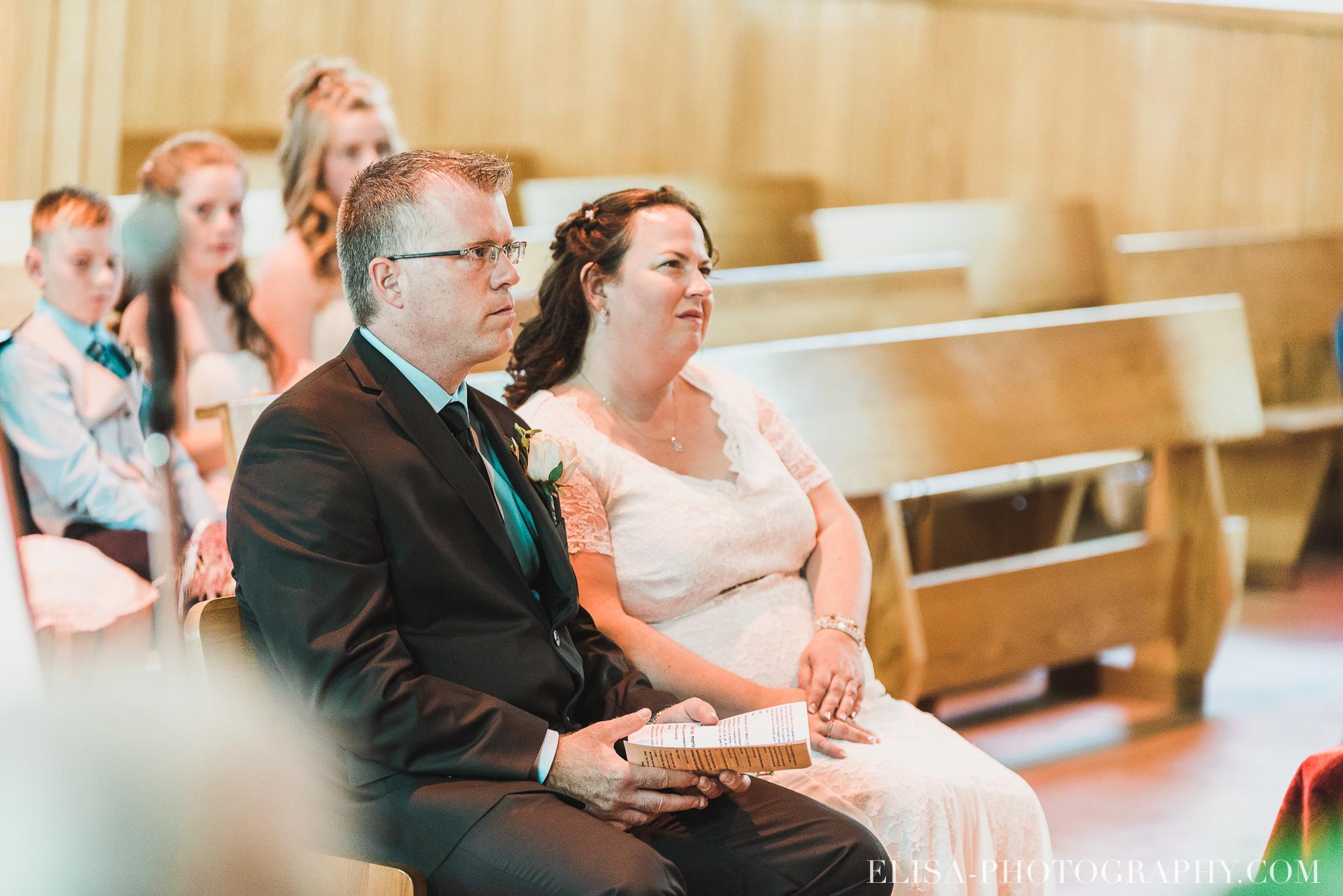 photo mariage ceremonie eglise st emile famille enfants ballons 7780 - Mariage à la plage de la baie de Beauport