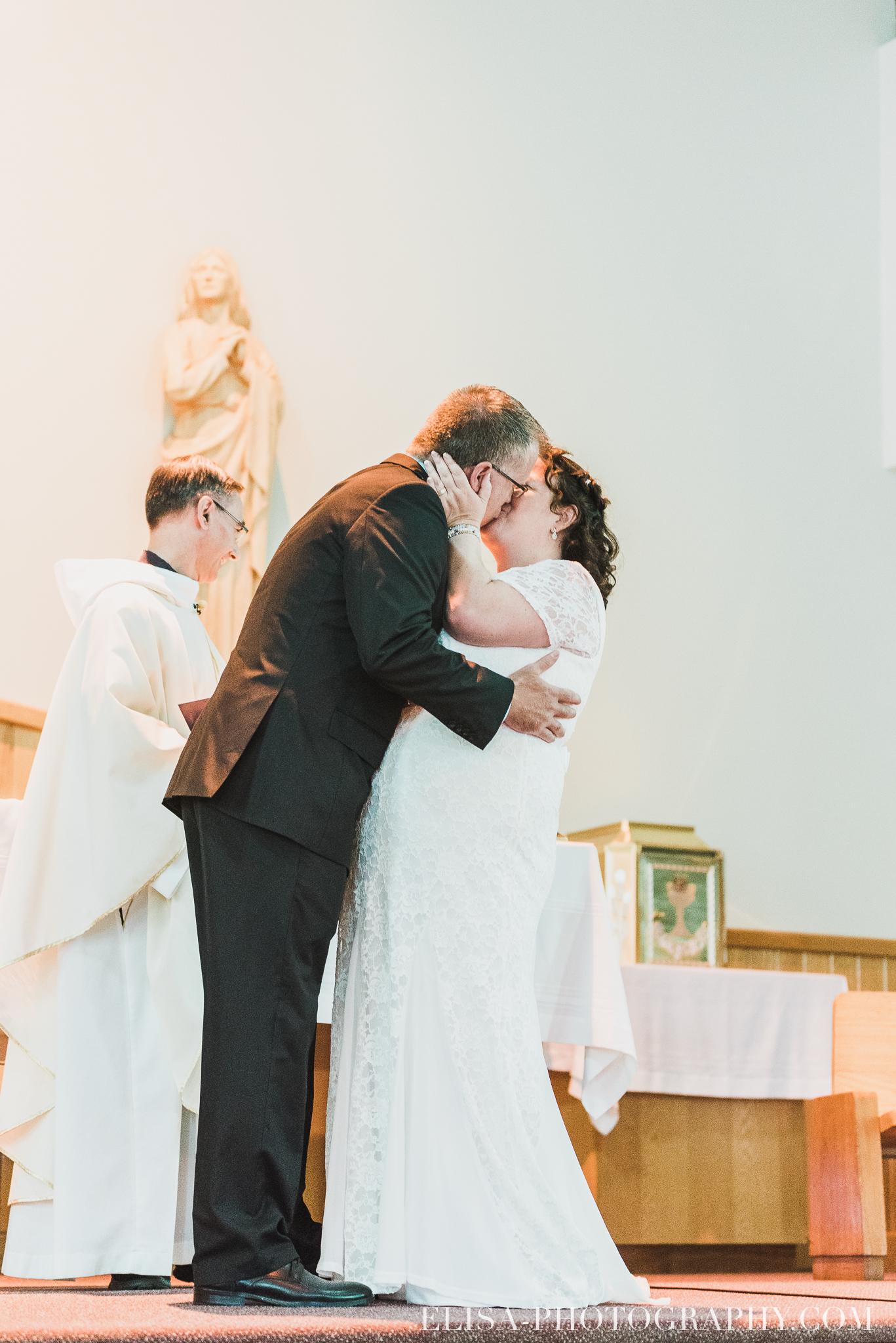 photo mariage ceremonie eglise st emile famille enfants ballons 7874 - Mariage à la plage de la baie de Beauport