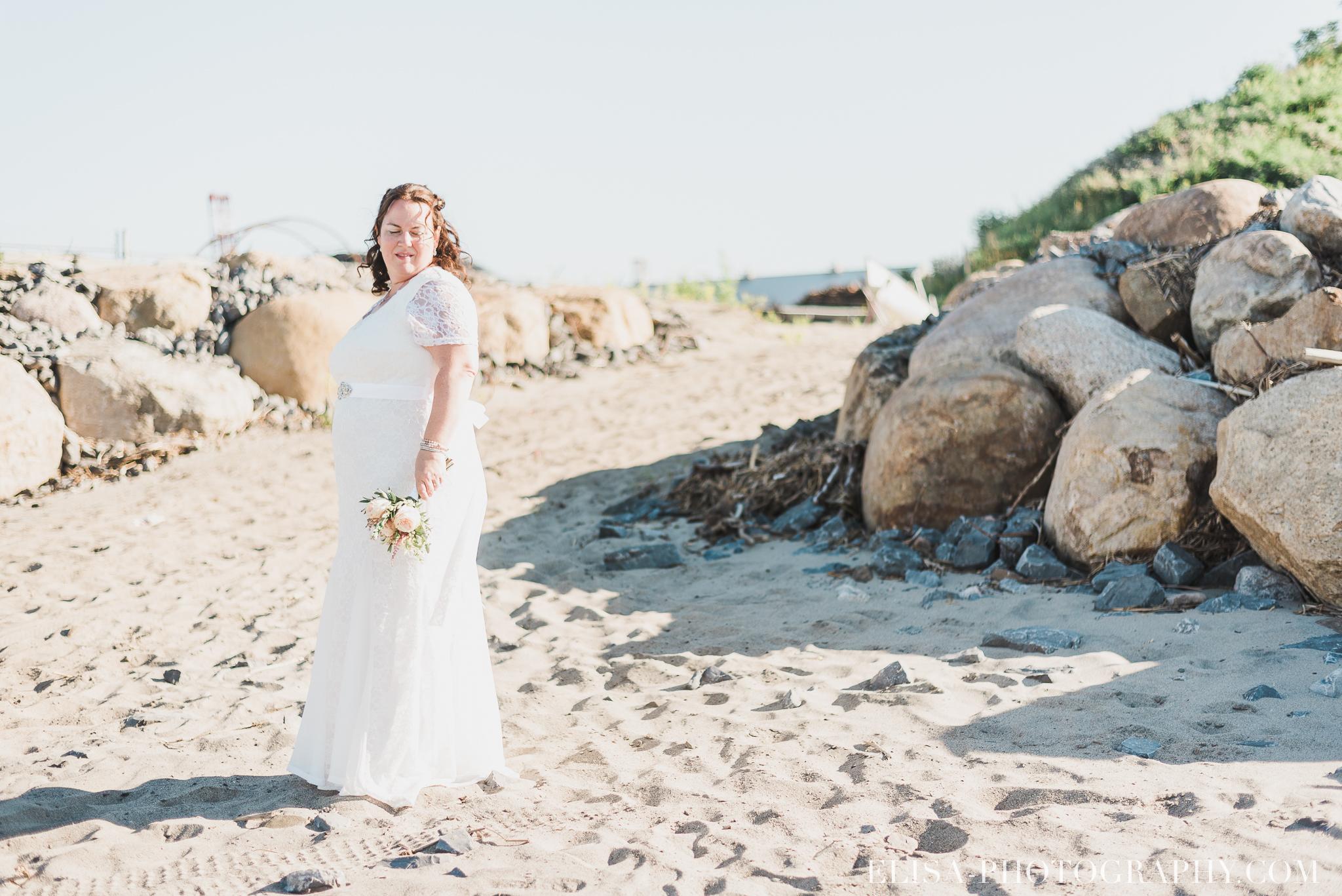 photo mariage portrait couple naturel fleuve riviere plage quai 8467 - Mariage à la plage de la baie de Beauport