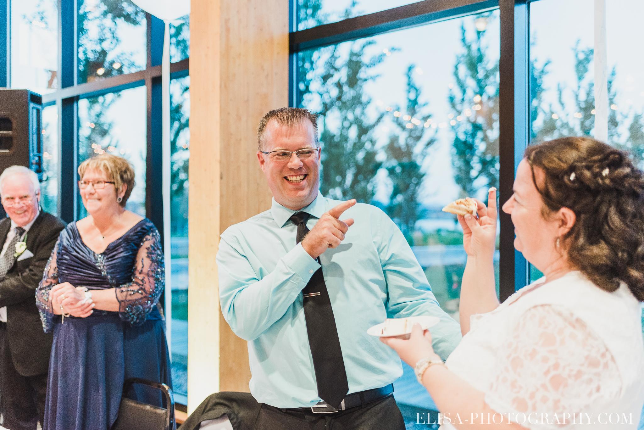 photo mariage quebec baie beauport reception fete danse des maries jeux soulier 8873 - Mariage à la plage de la baie de Beauport