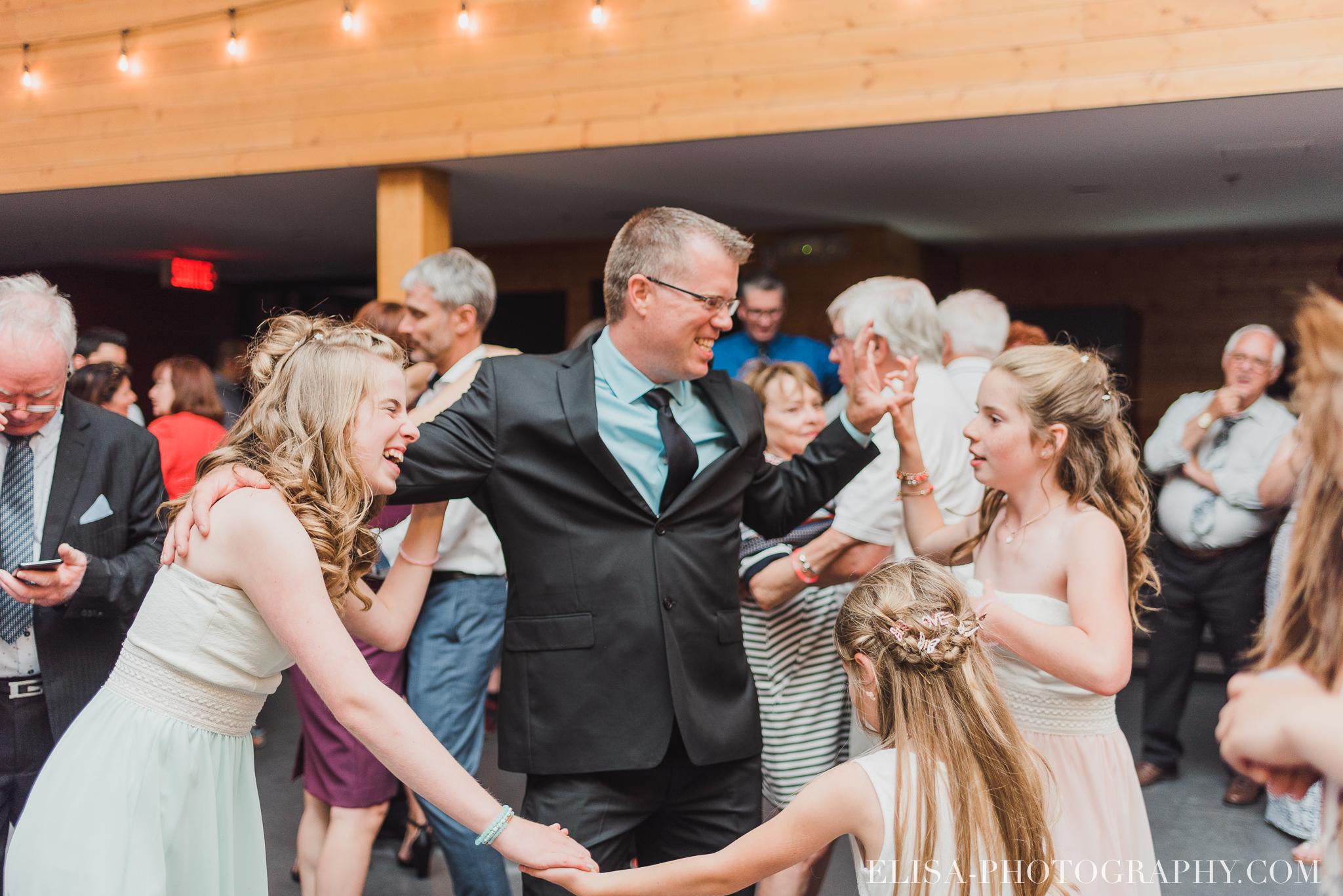 photo mariage quebec baie beauport reception fete danse des maries jeux soulier 9121 - Mariage à la plage de la baie de Beauport