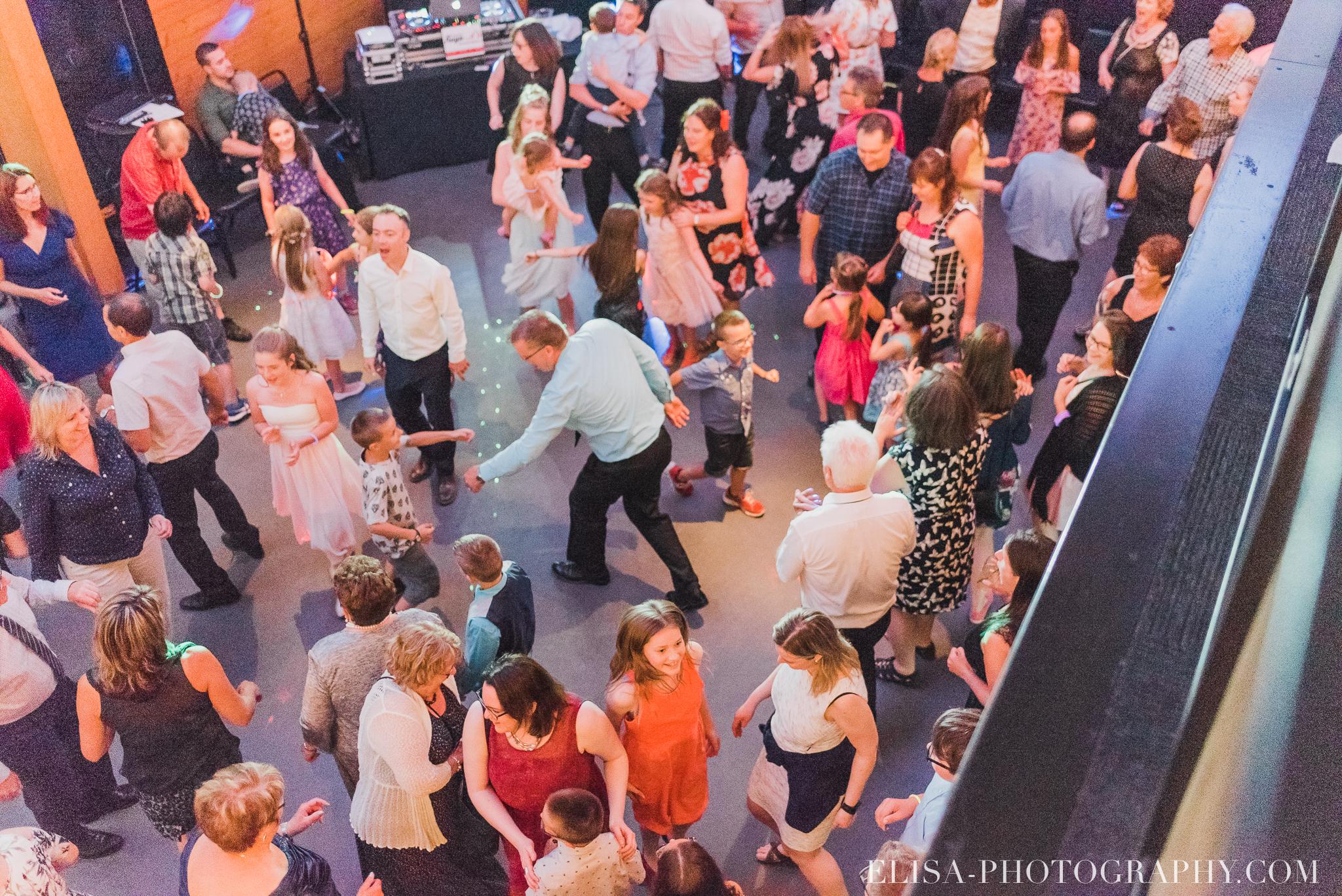 photo mariage quebec baie beauport reception fete danse des maries jeux soulier 9152 - Mariage à la plage de la baie de Beauport