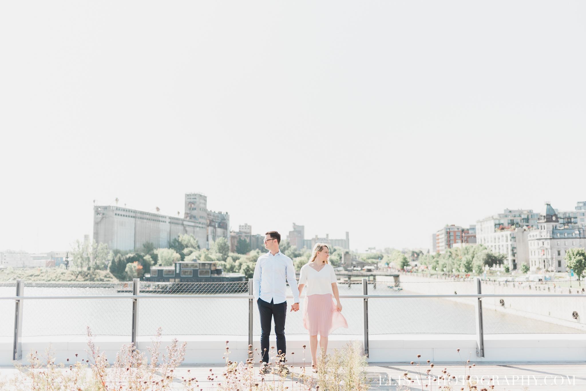 photo couple fiançailles engagement vieux port montreal lumineuse naturelle romantique 9514 - Séance fiançailles dans le vieux-port