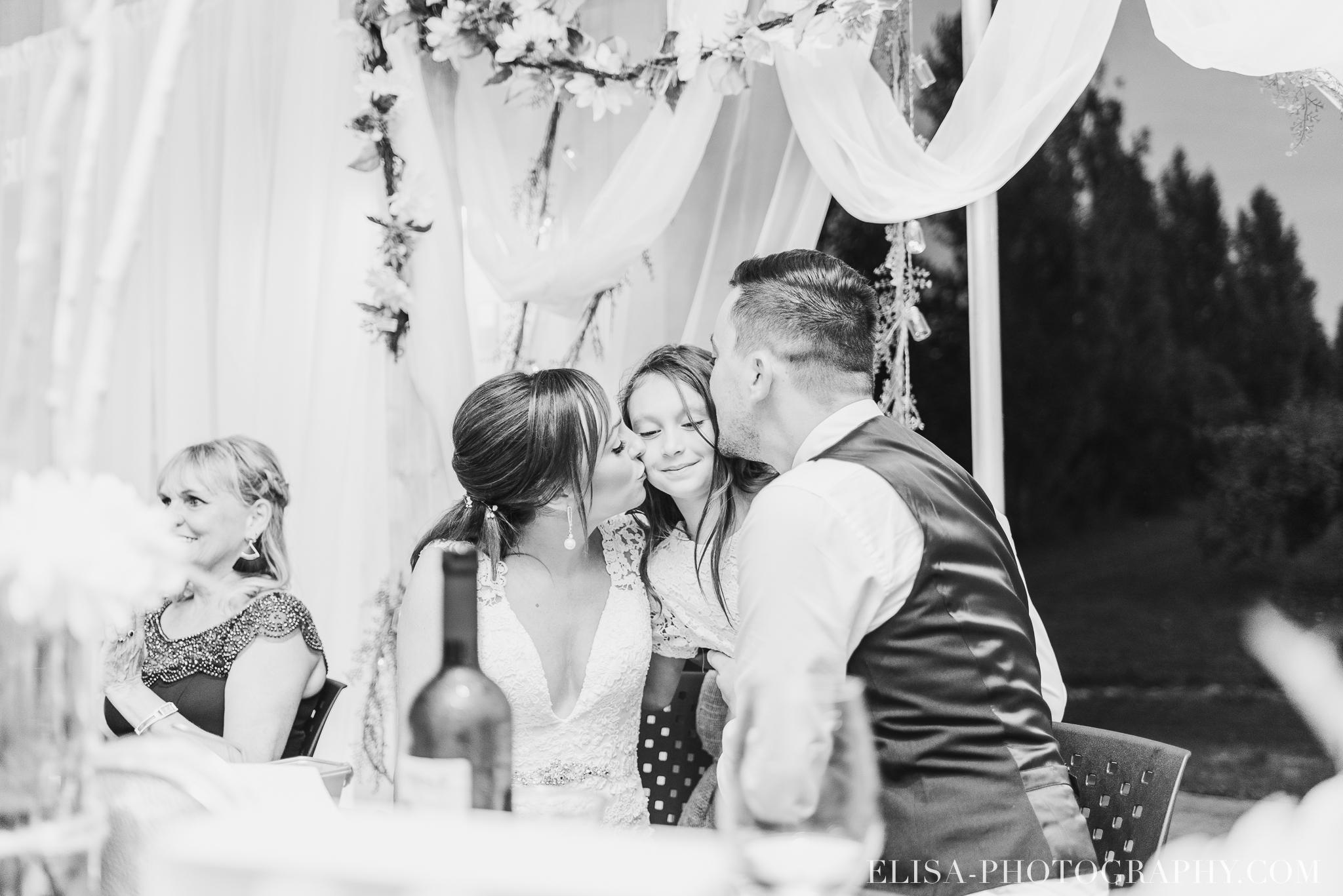 photo mariage ferme genest reception verger pommier quebec 2274 - Smoke bomb et mariage dans les vergers de la Ferme Genest à Saint-Nicolas