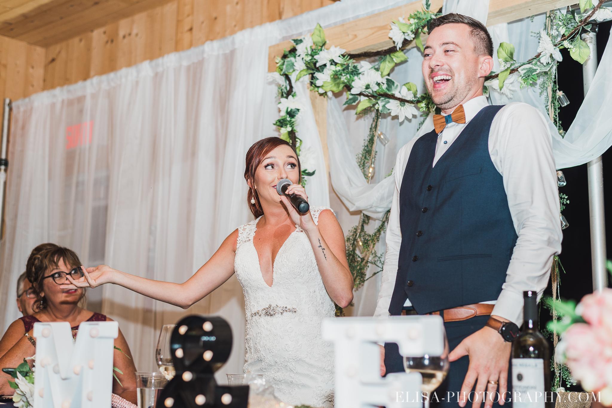 photo mariage ferme genest reception verger pommier quebec 2493 - Smoke bomb et mariage dans les vergers de la Ferme Genest à Saint-Nicolas