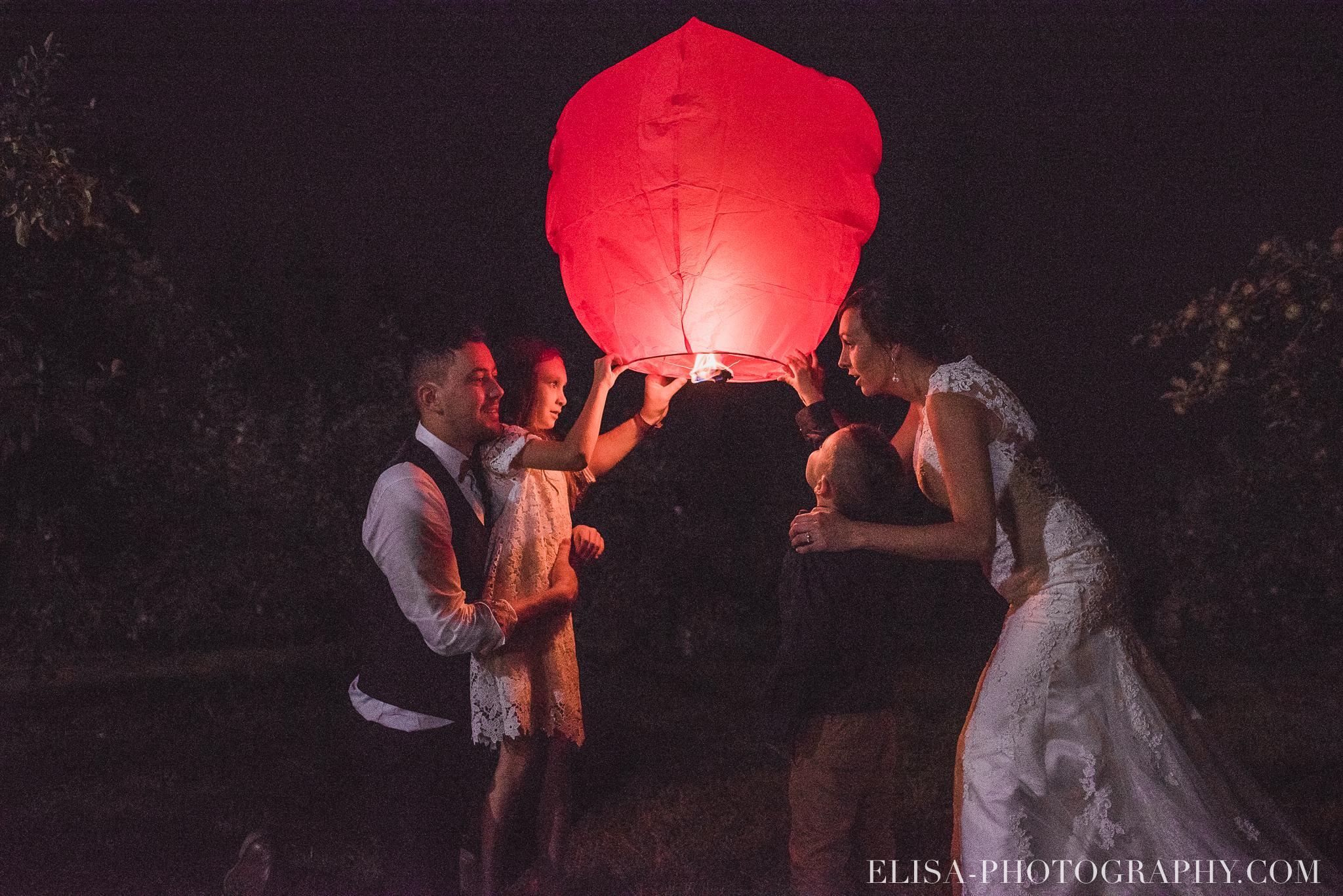 photo mariage ferme genest reception verger pommier quebec lanterne thailandaise 2898 - Smoke bomb et mariage dans les vergers de la Ferme Genest à Saint-Nicolas