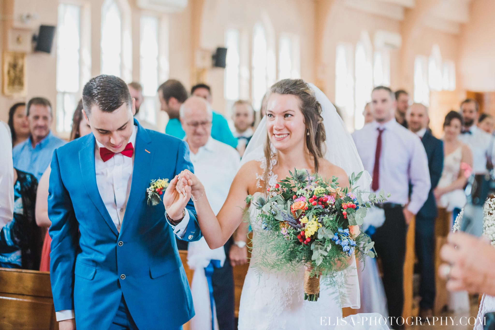photo mariage grange rouge quebec ceremonie naturelle lumineuse 8089 - Mariage coloré à la grange rouge de Brompton
