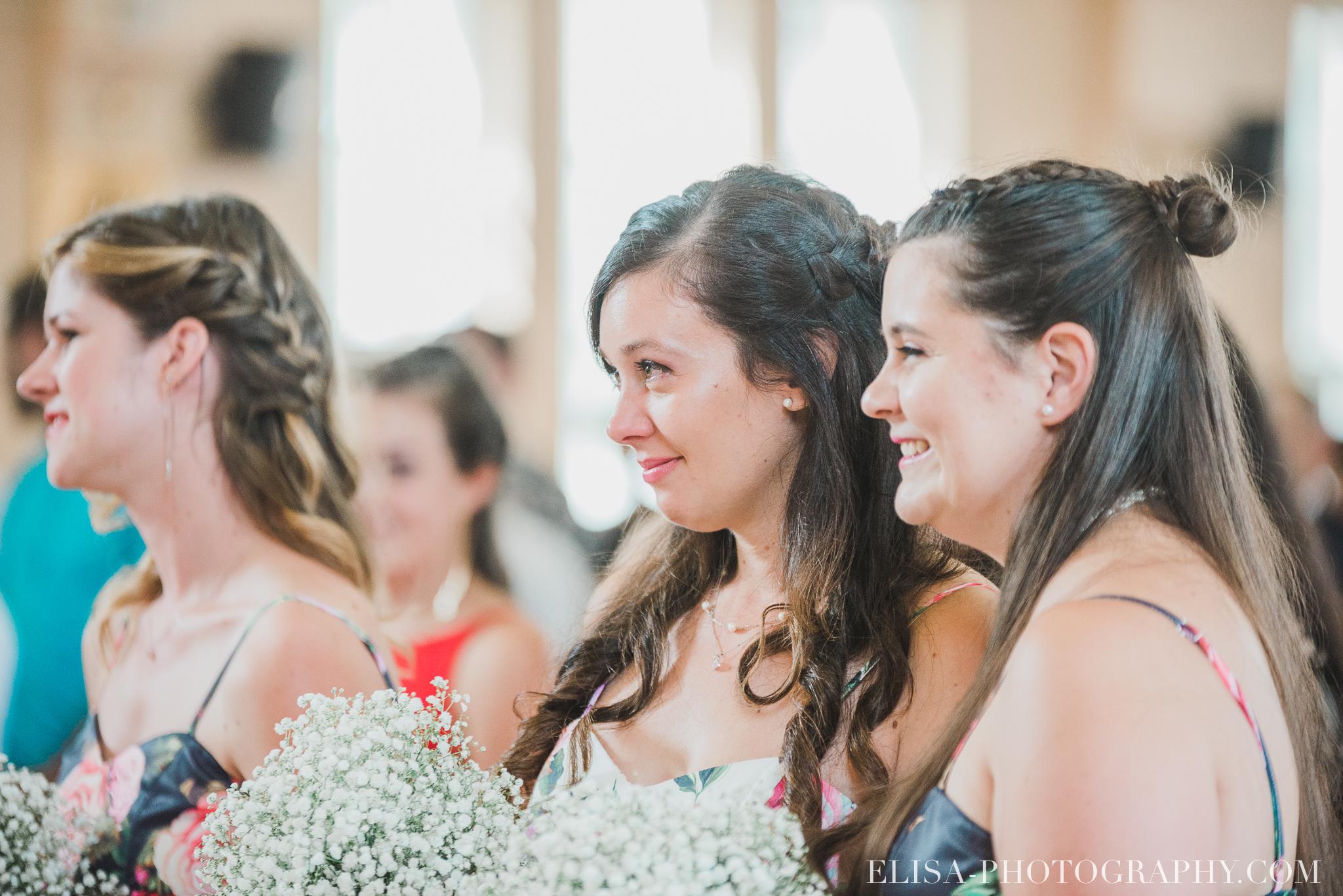 photo mariage grange rouge quebec ceremonie naturelle lumineuse 8097 - Mariage coloré à la grange rouge de Brompton