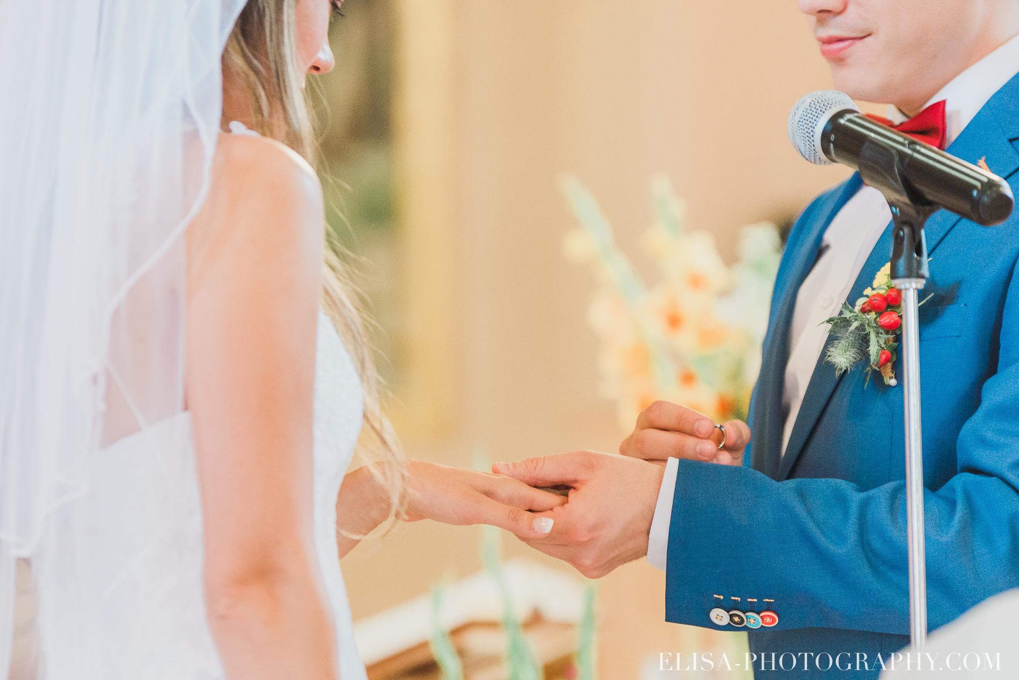 photo mariage grange rouge quebec ceremonie naturelle lumineuse 8371 - Mariage coloré à la grange rouge de Brompton