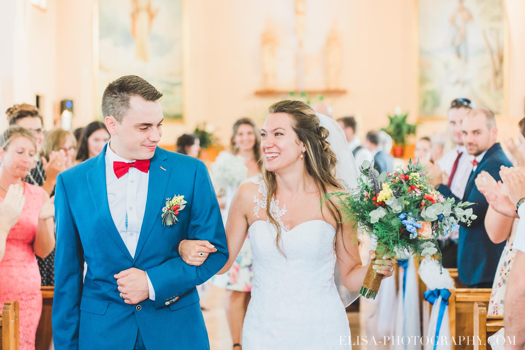photo mariage grange rouge quebec ceremonie naturelle lumineuse 8577 - Mariage coloré à la grange rouge de Brompton