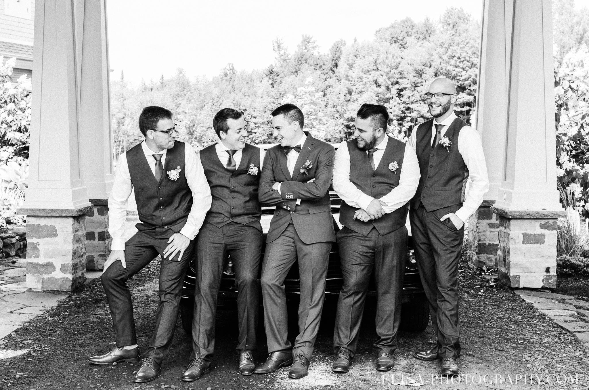photo mariage grange rouge quebec cortege robe multicolor fleuries colore demoiselle garcons honneur 0316 - Mariage coloré à la grange rouge de Brompton