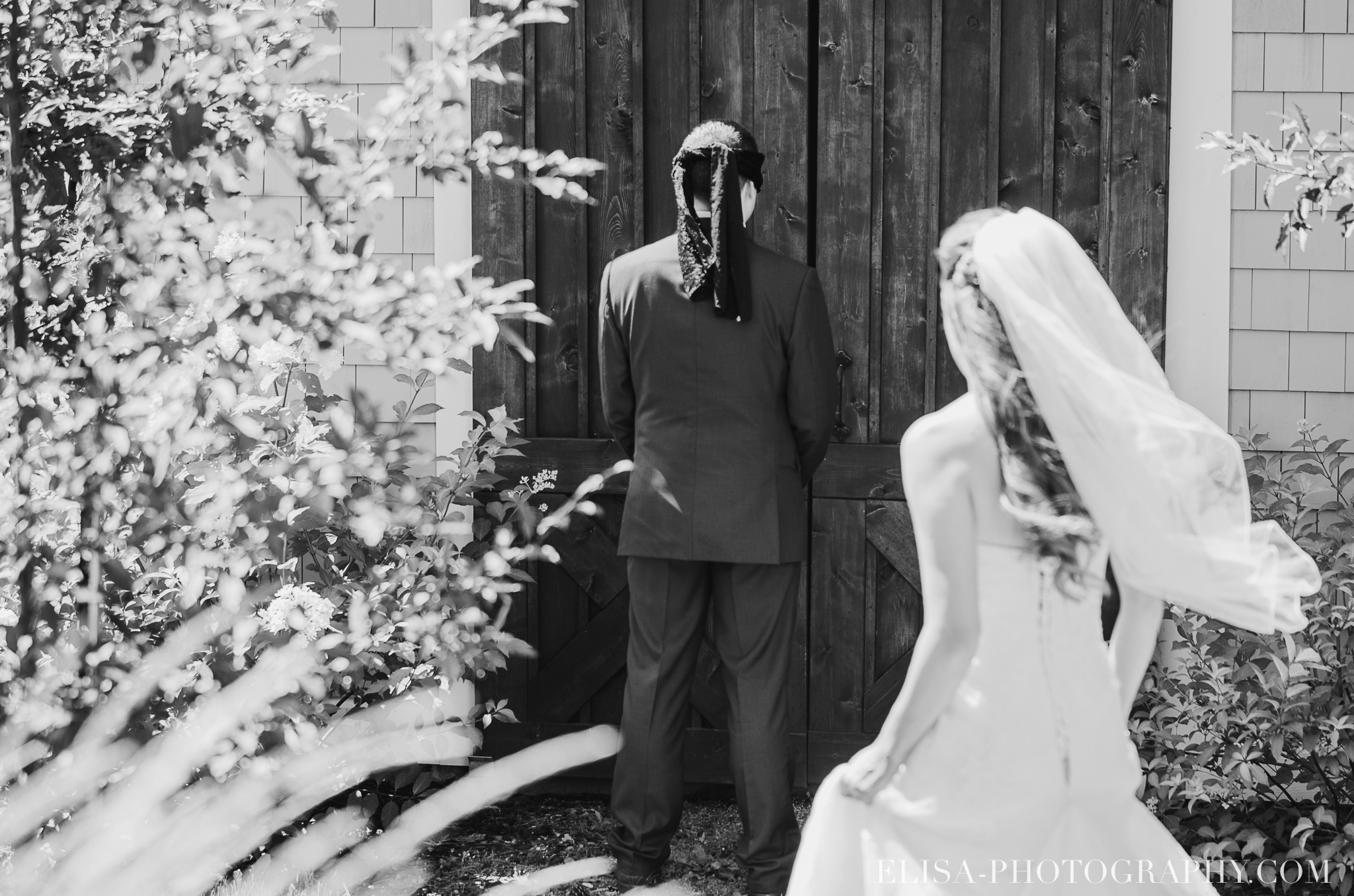 photo mariage grange rouge quebec first look 0074 - Mariage coloré à la grange rouge de Brompton