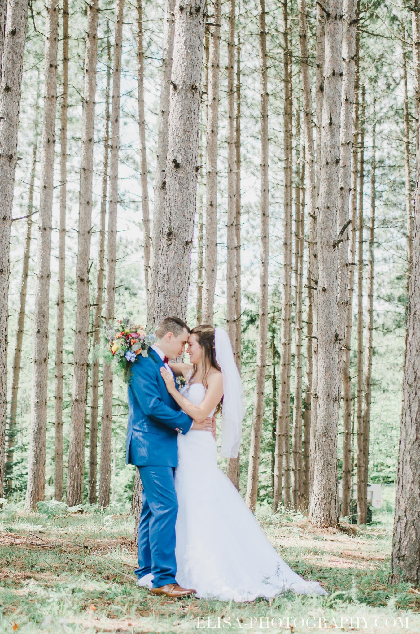 photo mariage grange rouge quebec first look 0110 - Mariage coloré à la grange rouge de Brompton