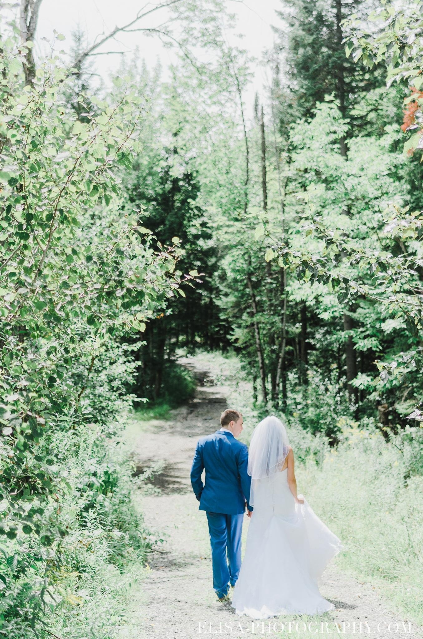 photo mariage grange rouge quebec portrait foret lac naturel lumineux 0228 - Mariage coloré à la grange rouge de Brompton