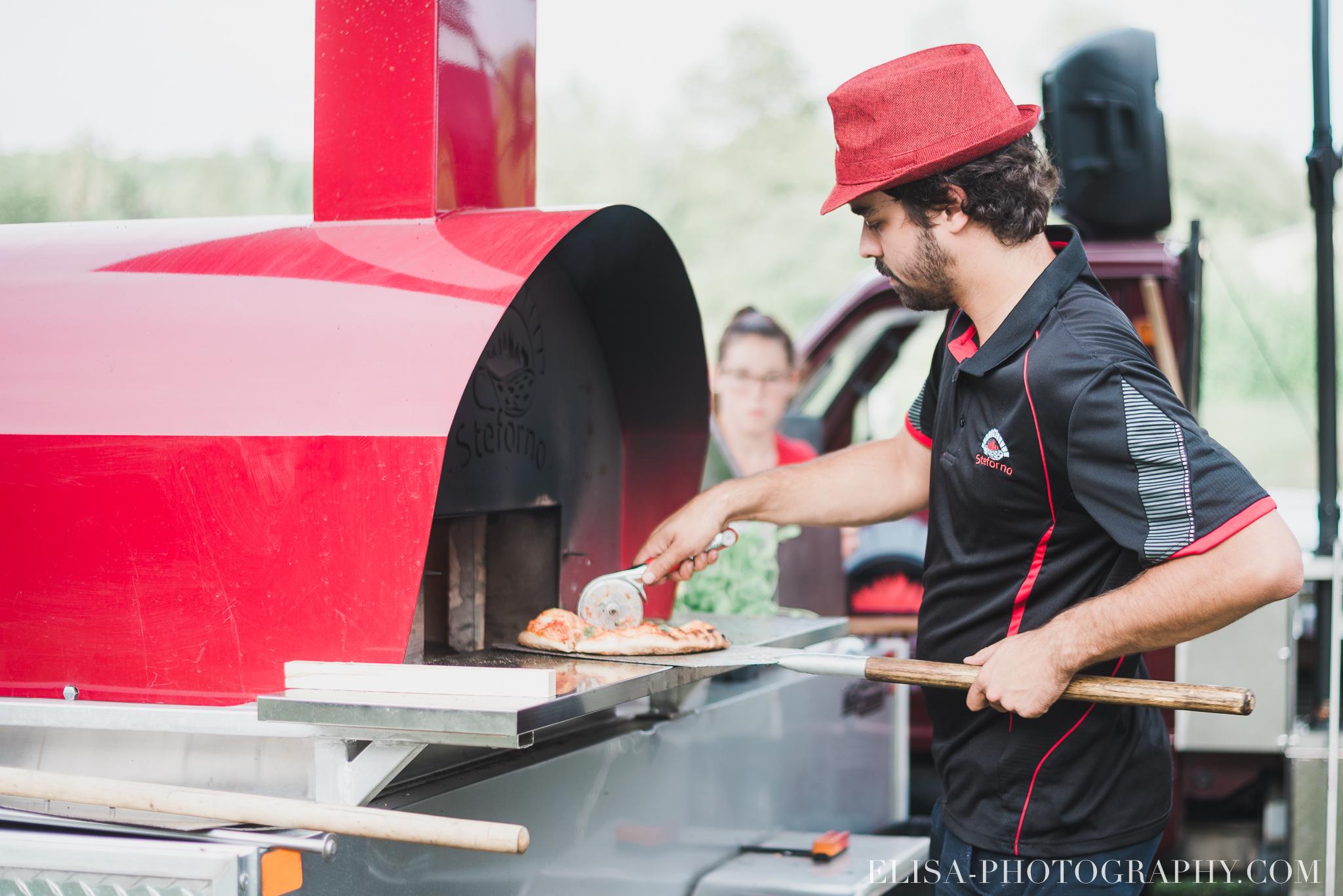 photo mariage grange rouge quebec reception pizza steforno 8973 - Mariage coloré à la grange rouge de Brompton