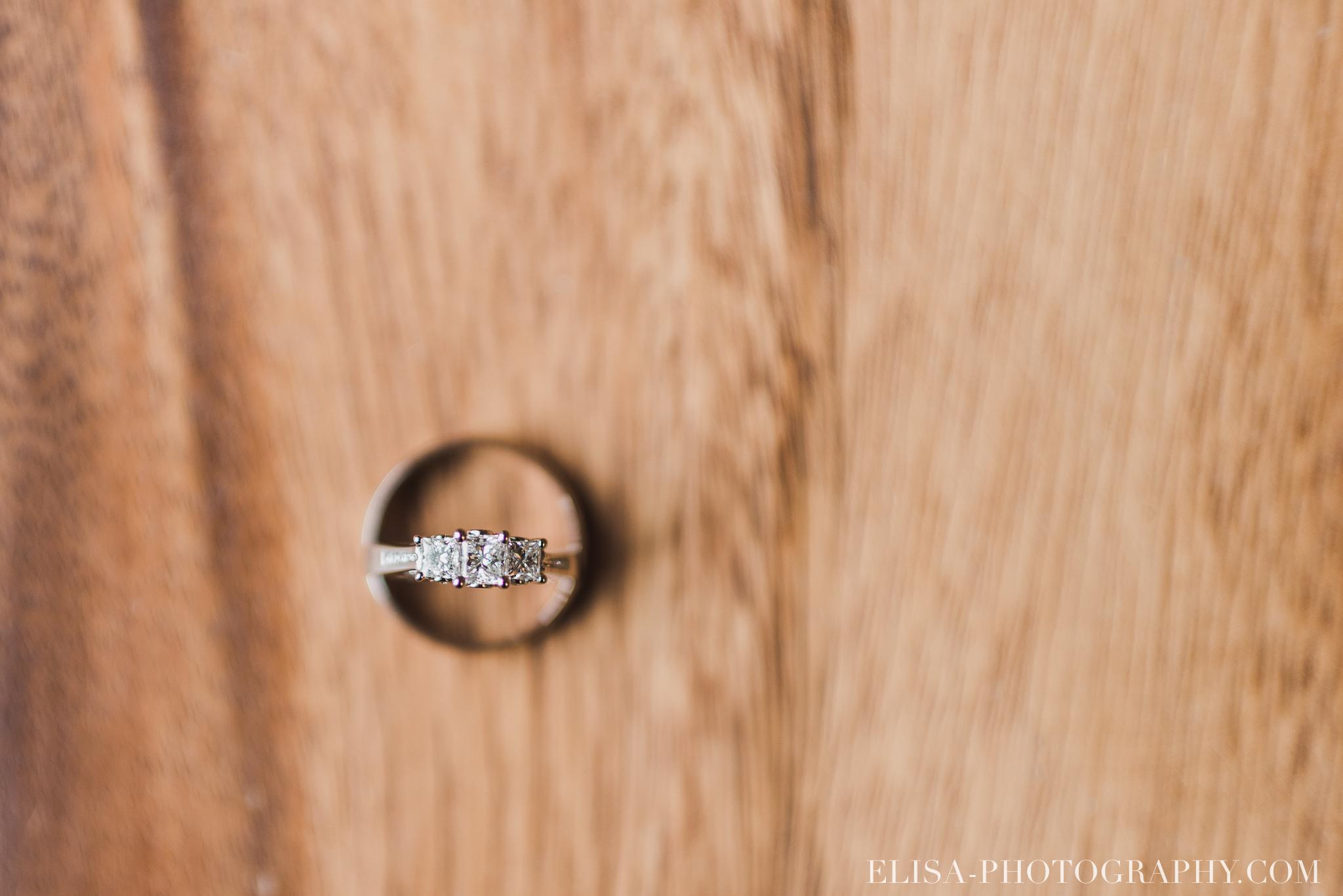 photo mariage quebec automne bague alliances 5215 - Mariage à saveur automnale à l'Espace Saint-Grégoire