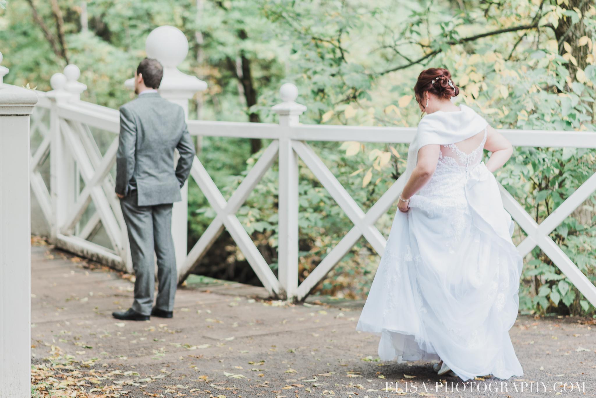 photo mariage quebec automne first look domaine maizeret 5293 - Mariage à saveur automnale à l'Espace Saint-Grégoire