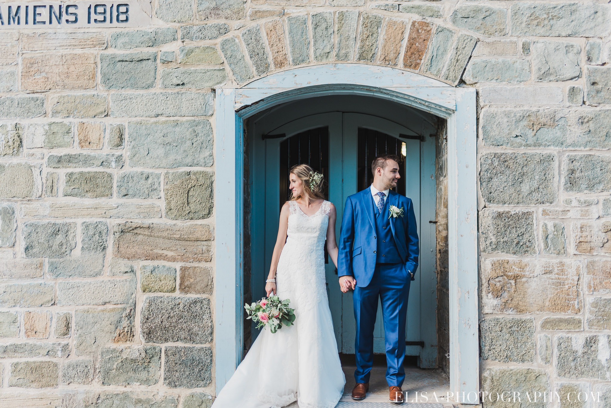 photo mariage militaire citadelle quebec naturelle lumineux fortifications 0731 - Galerie photos de mariage