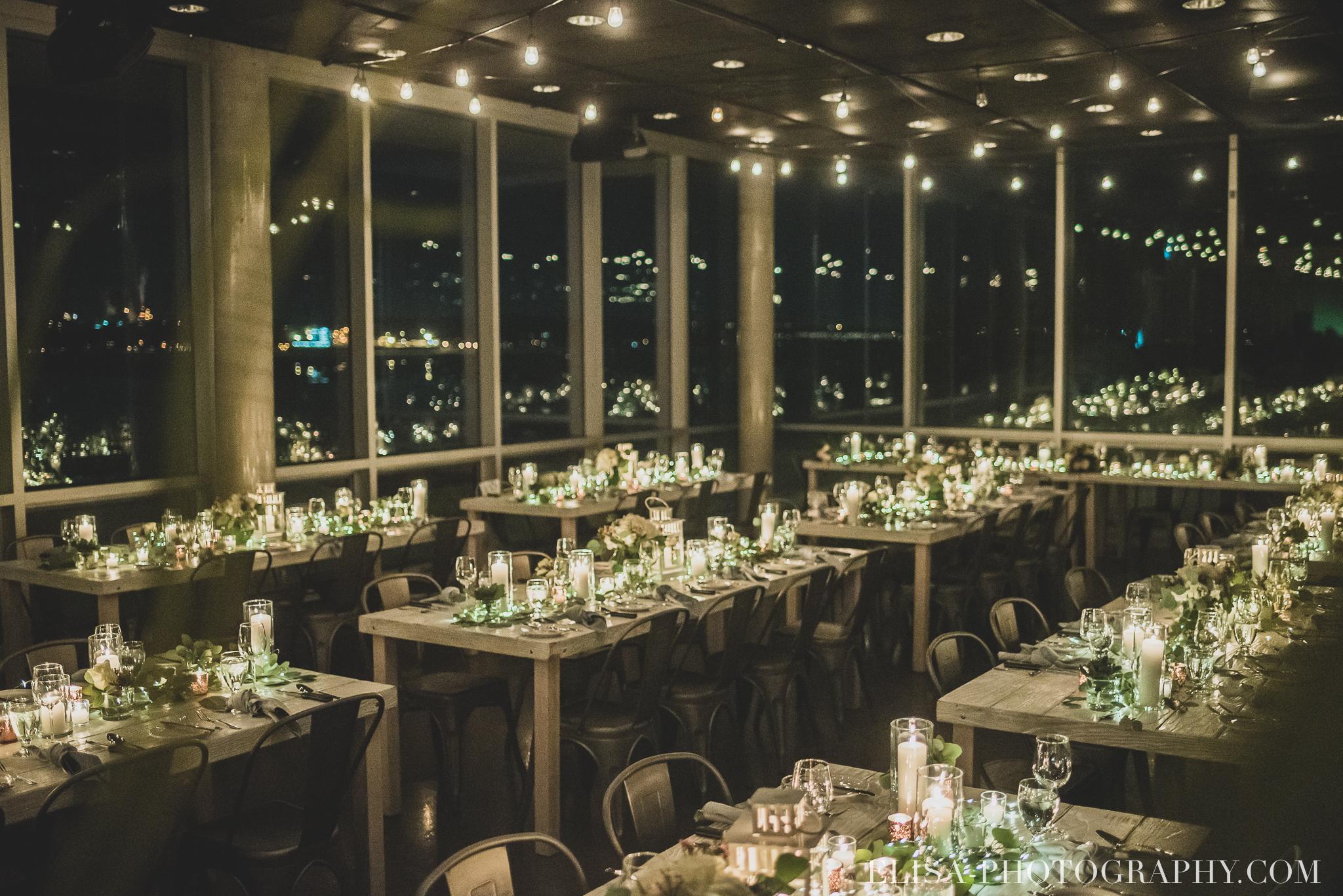 photo mariage hiver salle quai cap blanc port quebec reception table chandelles 3507 - Un chaleureux mariage hivernal à la salle du Quai du Cap Blanc, Québec
