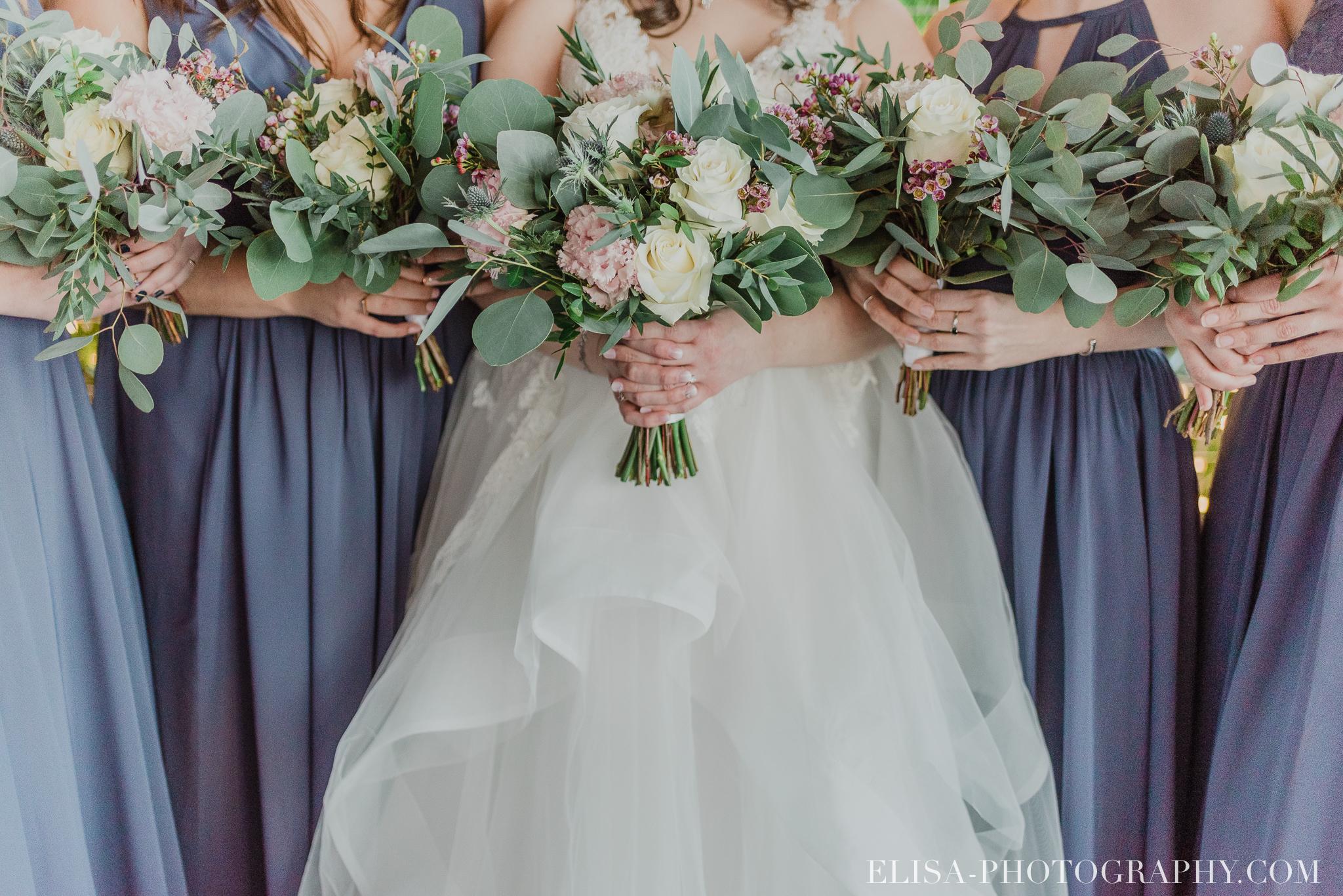photo mariage quai blanc quebec cortege robe mauve bouquets fleurs hiver rose blanche 2955 - Un chaleureux mariage hivernal à la salle du Quai du Cap Blanc, Québec