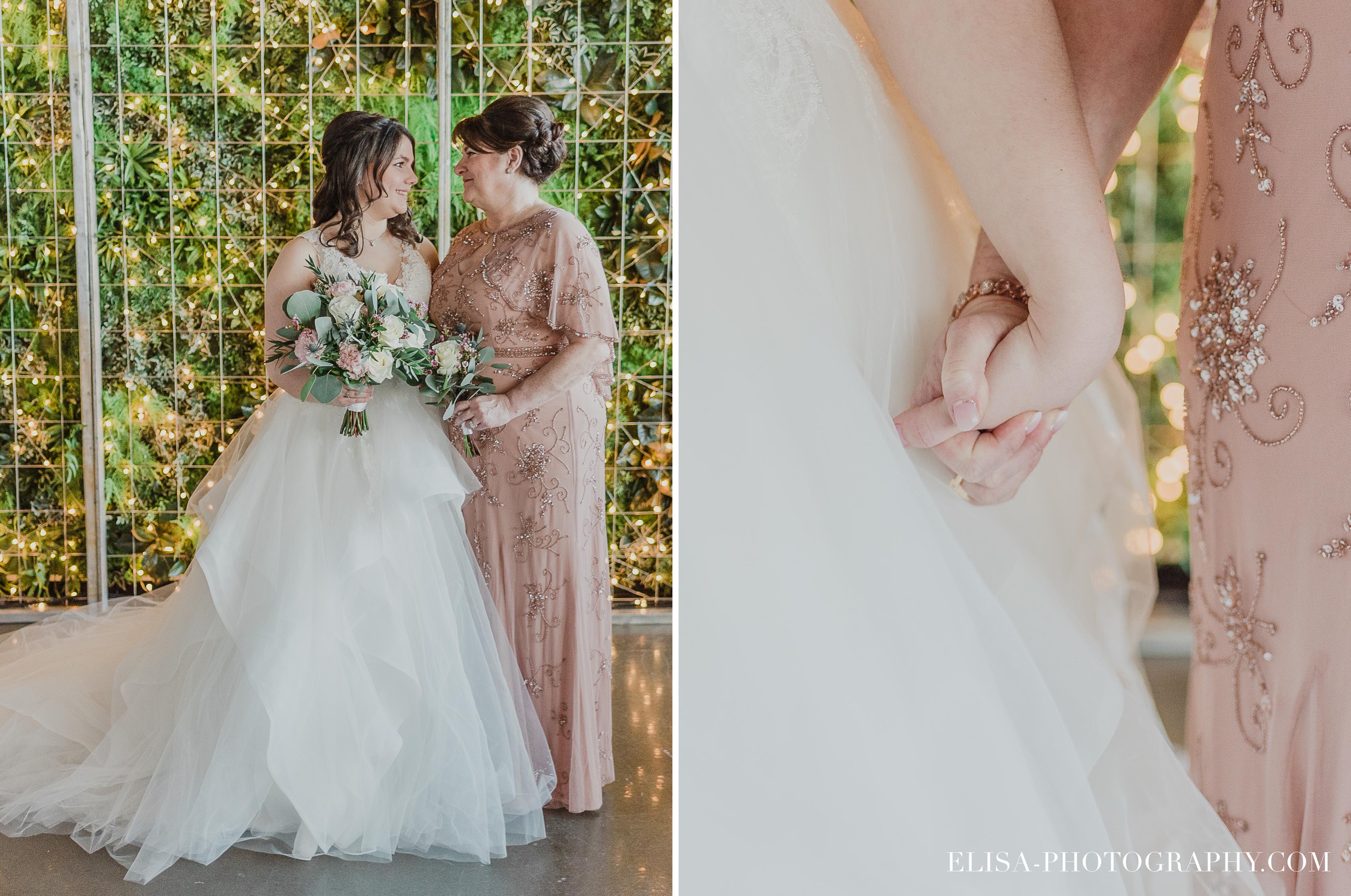 photo mariage quai cap blanc quebec maman mariee robe rose naturelle 1 - Un chaleureux mariage hivernal à la salle du Quai du Cap Blanc, Québec