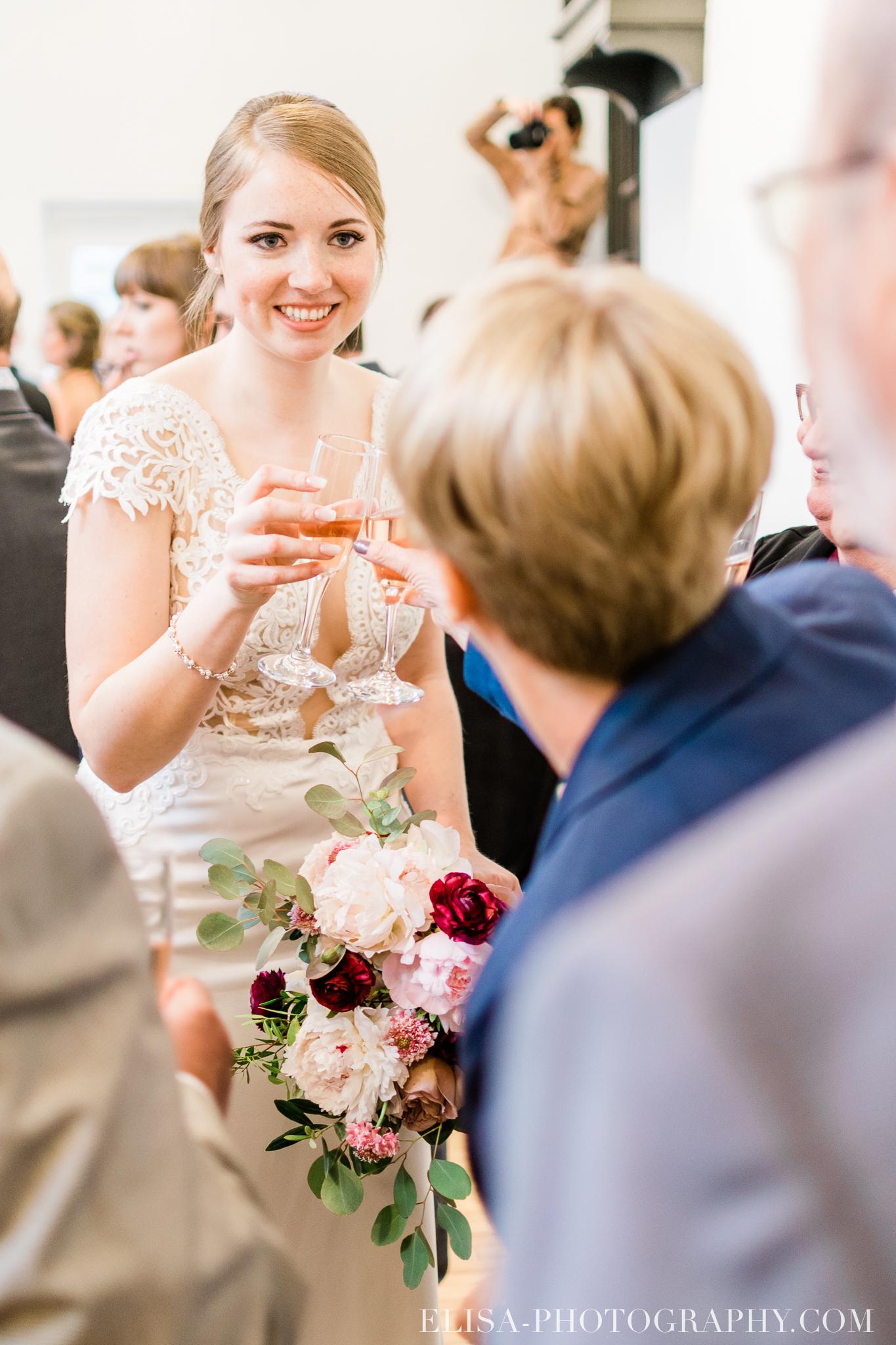 photo mariage cocktail domaine cataraqui elisa photographe atelier peintre 0295 - Mariage élégant et discret au coeur du magnifique Domaine Cataraqui, Québec