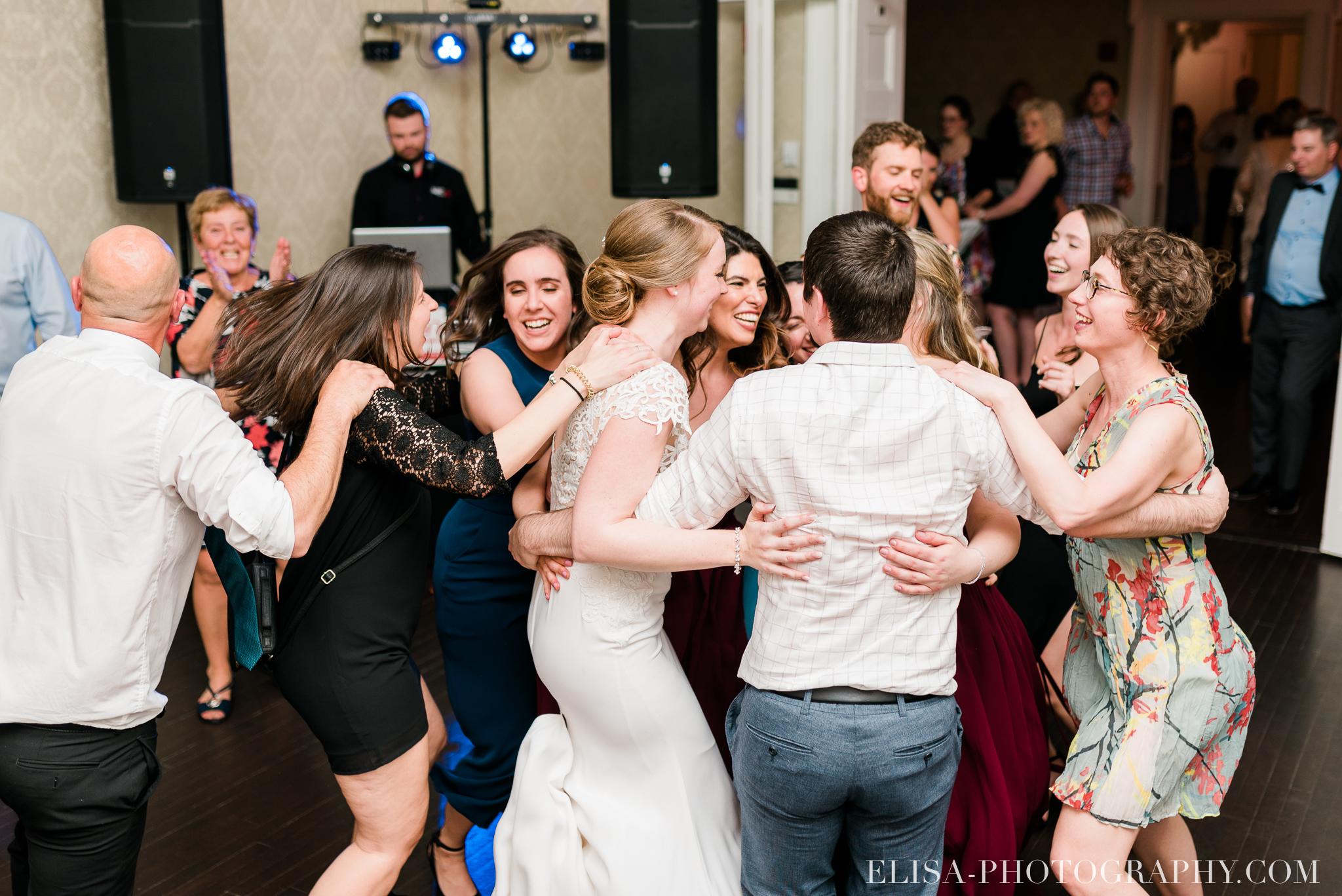 photo mariage reception danse domaine cataraqui centres de table elisa photographe 1625 - Mariage élégant et discret au coeur du magnifique Domaine Cataraqui, Québec