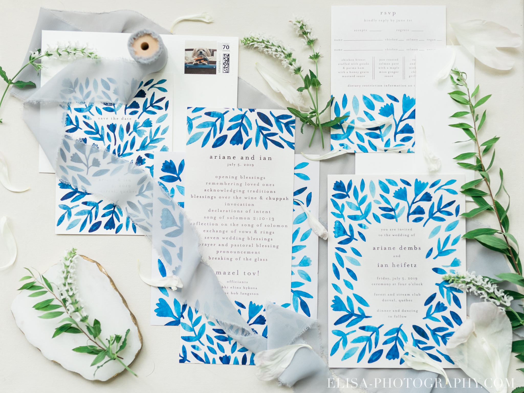 photo mariage hotel omni montreal invitations bleues elisa photographe 1916 - An elegant wedding under the marquee at the Forest and Stream Club in Montreal