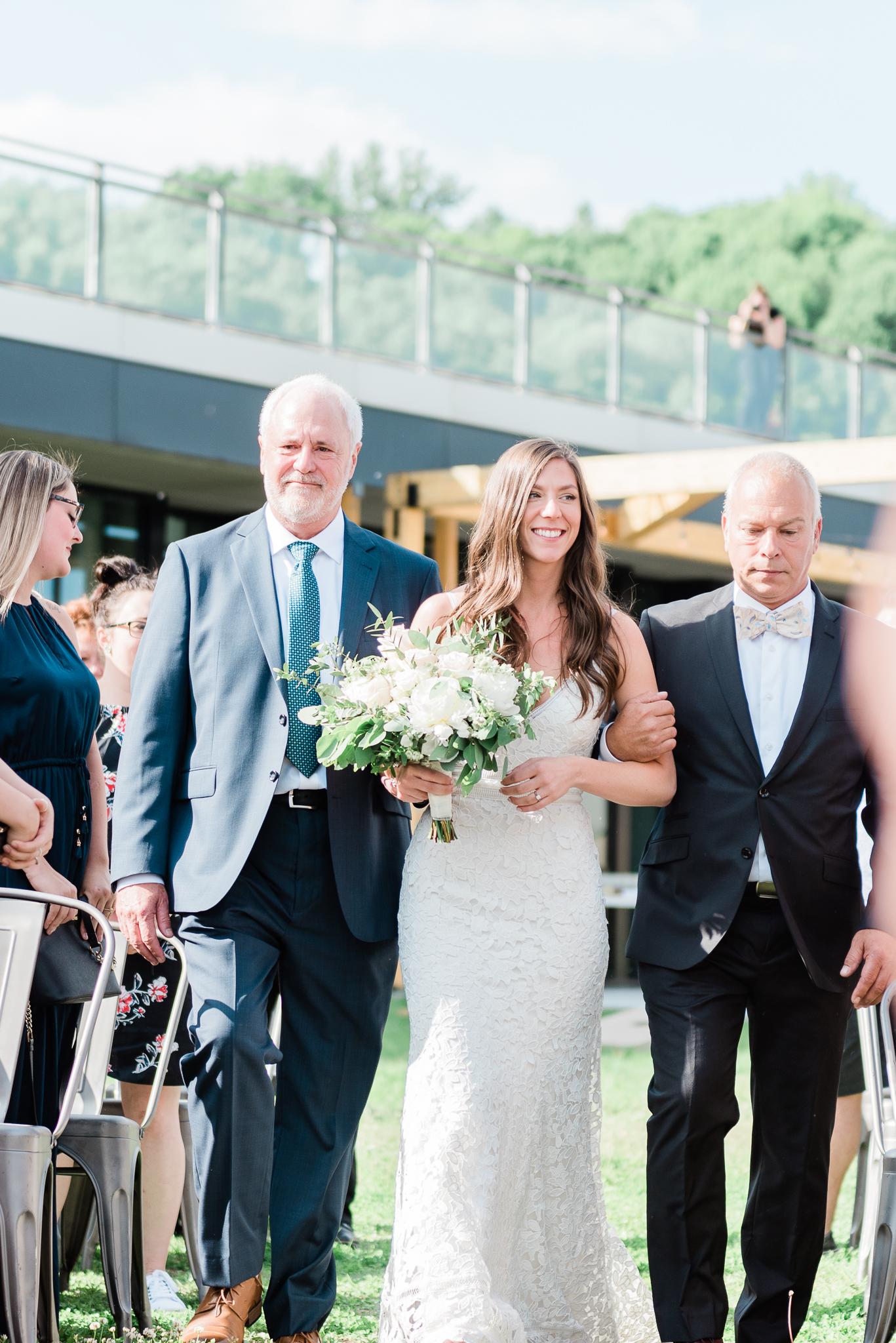 photo mariage salle du quai cap blanc quebec ceremonie toscane elisa photographe 2734 - MALYE + ANTHONY | Québec, Salle du Quai du Cap Blanc | Photographe de mariage | Elisa Photography
